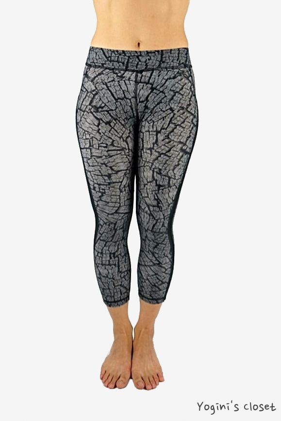 Yoginis Closet High Performance Engineering (HPE) Oak 3/4 Curve Yoga Legging Review
